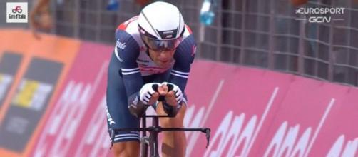 Vincenzo Nibali impegnato al Giro d'Italia dello scorso anno.