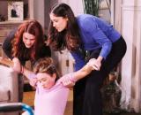 Beautiful: Flo pronta a distruggere Sally, Penny la mette fuori combattimento.