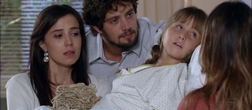 Júlia sofrerá sem Manu em 'A Vida da Gente'. (Reprodução/TV Globo)