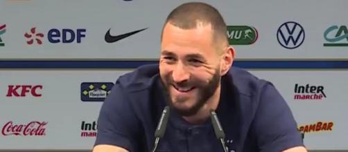 L'attaquant des Bleus, Karim Benzema, est revenu notamment sur son échange avec Didier Deschamps (Source : vidéo RMC Sport et Equipe de France)