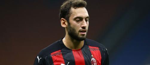 Meia turco pode deixar o Milan. (Arquivo/Blasting News)