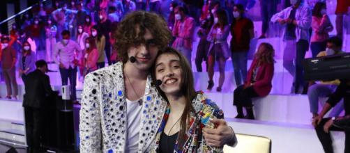 Amici 20, Giulia e Sangiovanni dopo la fine del talent stanno ancora insieme.