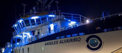 El buque oceanográfico llega a Tenerife para iniciar la búesqueda de Anna y Olivia (@rtve)
