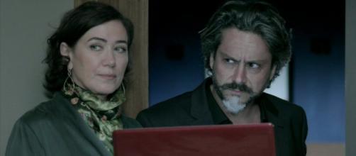 Marta surta com Zé Alfredo em 'Império' (Reprodução/Rede Globo)