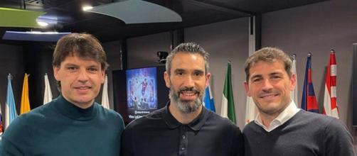 Iker Casillas junto a amigos disfrutando del clásico celebrado el mes de abril (Foto: Twitter Iker Casillas)