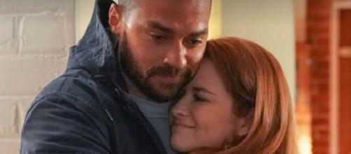 In Grey's Anatomy 17x14, Jackson e April decidono di lasciare Seattle insieme.
