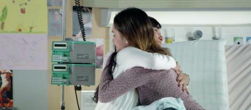 Ana e Manuela em 'A Vida da Gente' (Reprodução/Rede Globo)