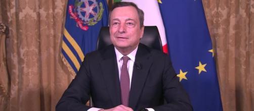 Governo Draghi verso il coprifuoco alle 23, riapertura piscine, matrimoni, green pass.
