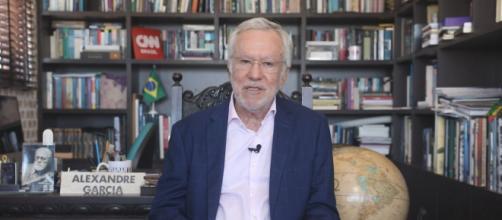 Alexandre Garcia mostra contrariedade na TV (Reprodução/CNN Brasil)