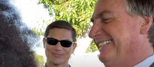 Bolsonaro faz comentário com cabelo de apoiador (Reprodução/YouTube)