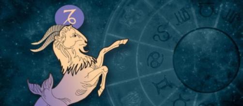 Oroscopo e classifica di martedì 11 maggio: il novilunio di Terra premia il Capricorno.