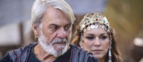 Abrão e Sarai mudarão de nome em 'Gênesis'. (Reprodução/RecordTV)