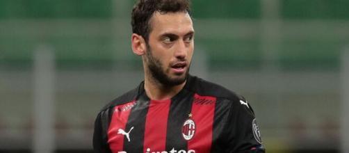 Hakan Calhanoglu, giocatore del Milan.