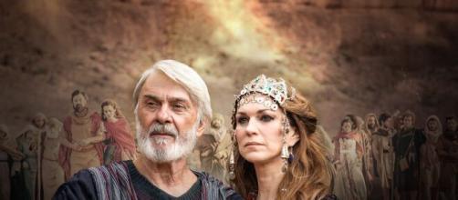 O nascimento do filho de Abraão e Sara será emocionante em 'Gênesis' (Reprodução/Record TV)