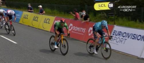 Sonny Colbrelli supera Aranburu nella terza tappa del Giro del Delfinato.
