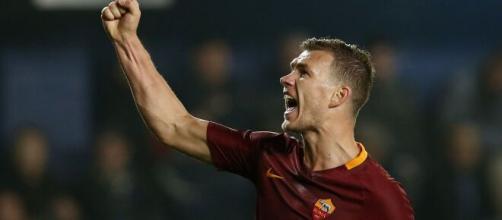 In foto Edin Dzeko, attaccante della Roma.