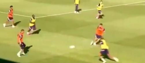 Mbappé et Giroud en feu pendant l'entraînement des Bleus. (capture image FFF)