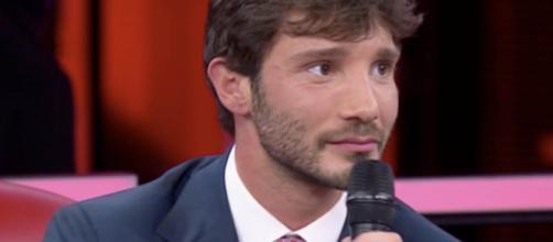 Stefano De Martino potrebbe tornare a Mediaset: pronto show musicale su Italia 1.