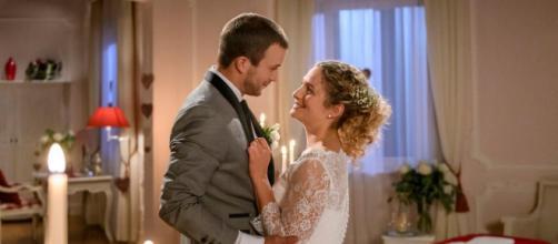 Tempesta d'amore: Franzi e Tim sempre più innamorati dopo il matrimonio.