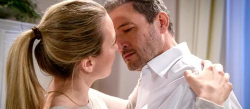 Tempesta d'amore, trama del 15 giugno: Christoph dirà a Selina di essere attratto da lei.