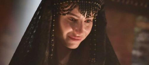 Rebeca vira piada em 'Gênesis' (Reprodução/Record TV)