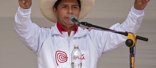Elezioni in Perù: Castillo ha vinto ma Fujimori lo accusa di brogli elettorali