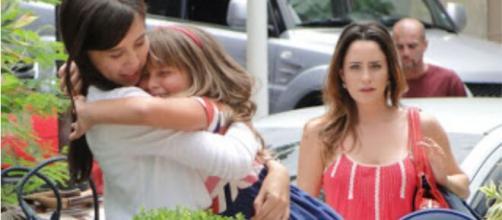 Manu e Júlia deixaram Ana chocada em 'A Vida da Gente'. (Foto: Globo).