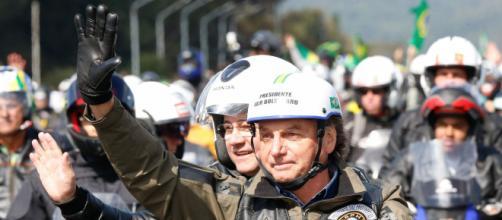 Bolsonaro recebe multa por não usar máscara em motociata na cidade de São Paulo (Alan Santos/PR)