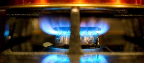 Sem alternativa na hora de comprar gás de botijão, o melhor é adotar medidas preventivas no uso do gás. (Arquivo Blasting News)