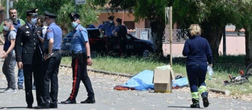 Sparatoria ad Ardea, killer uccide un anziano e due fratellini.