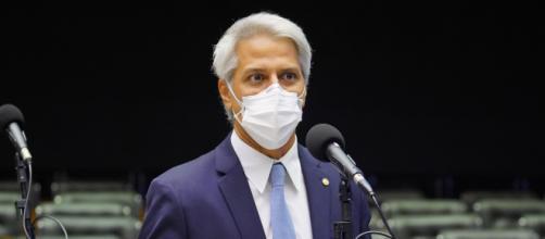 Alessandro Molon é líder da oposição ao governo Bolsonaro na Câmara dos Deputados (Pablo Valadares/Câmara dos Deputados)