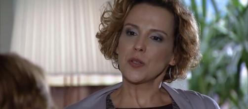 Eva revoltada em 'A Vida da Gente' (Reprodução/TV Globo)
