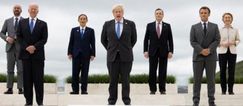 Foto dos representantes do G7 em reunião na Inglaterra (Simon Dawson/No 10 Downing Street)