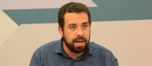 Guilherme Boulos afirma que Bolsonaro investe na política de desinformação da população (Marcello Casal jr/Agência Brasil)
