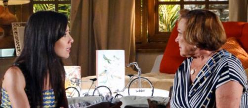 Iná tenta aproximar Ana e Manu em 'A Vida da Gente' (Reprodução/Rede Globo)