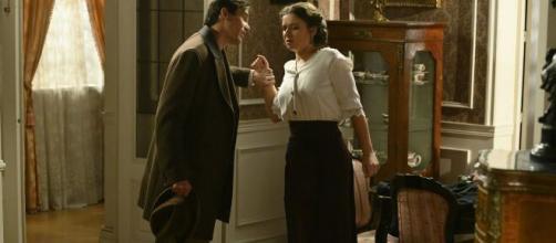 Una vita, trame Spagna: Santiago lascia Acacias dopo aver minacciato Genoveva.