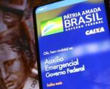 Mais de 400 mil famílias que aguardam na fila do Bolsa Família não recebem o auxílio emergencial, segundo a Folha (Agência Brasil)