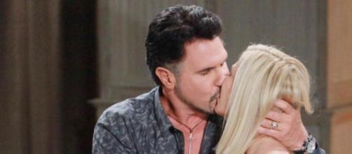 Beautiful: Ridge si rende conto che Brooke l'ha tradito con Bill.