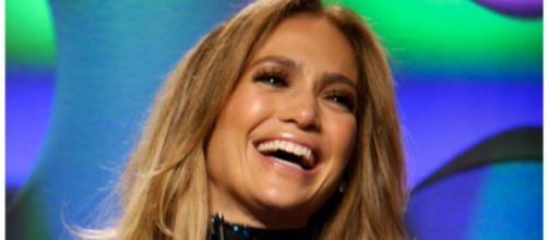 Jennifer Lopez all smiles since reuniting with Ben Affleck (Image source: Casper-37/Flickr)