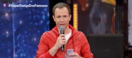 Tiago Leifert apresenta 'Domingão do Faustão' (Reprodução/TV Globo)