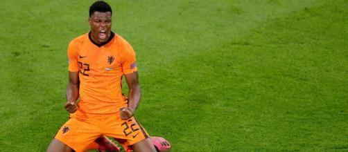 Inter, nome nuovo per la fascia: ai nerazzurri piacerebbe Dumfries.