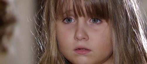 Júlia 'escolhe' Manu como mãe em 'A Vida da Gente' (Reprodução/TV Globo)