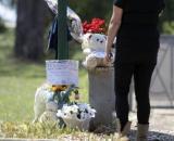 Strage di Ardea, denunciata la madre del killer per non aver segnalato l'arma con cui il figlio ha ucciso due bambini e un anziano.