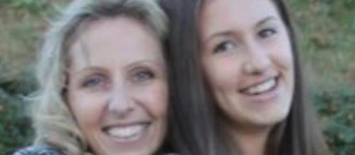 Una donna è morta di cancro a 47 anni e sull'epigrafe ha fatto scrivere l'Iban per sostenere la figlia.