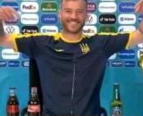 L'Ukrainien Andriy Yarmolenko a fait le show en conférence de presse - Source : capture d'écran, Twitter @goalsby T
