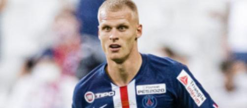 Mitchel Bakker, terzino del Paris Saint Germain.
