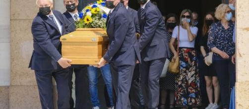 Padova: aveva messo l'iban nell'epigrafe, il parroco si rifiuta di celebrare il funerale.