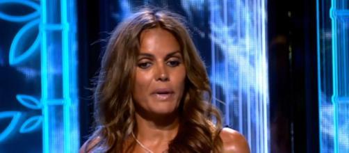 Marta López forjó una gran amistad con Olga Moreno en la isla - (Telecinco)
