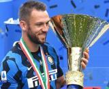 Inter, il Tottenham pensa a De Vrij.