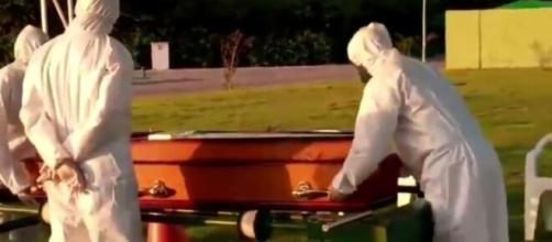 Brasil atinge a triste marca de 500 mil mortes (Reprodução/Rede Globo)